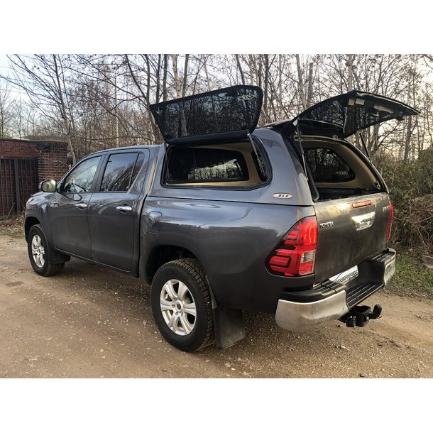 TOYOTA HILUX REVO DOUBLE-CAB HARDTOP VERSION 2