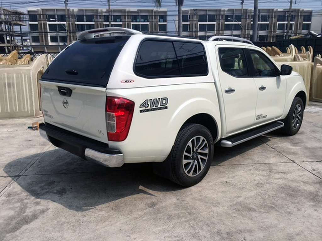 nissan navara np300 d cab hardtop version 1 hardtops. Black Bedroom Furniture Sets. Home Design Ideas